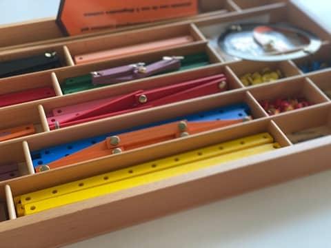 boite de géométrie montessori